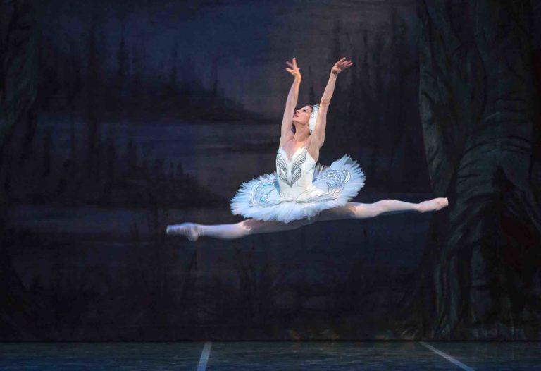 Maria Mosina in Swan Lake - by Mike Watson